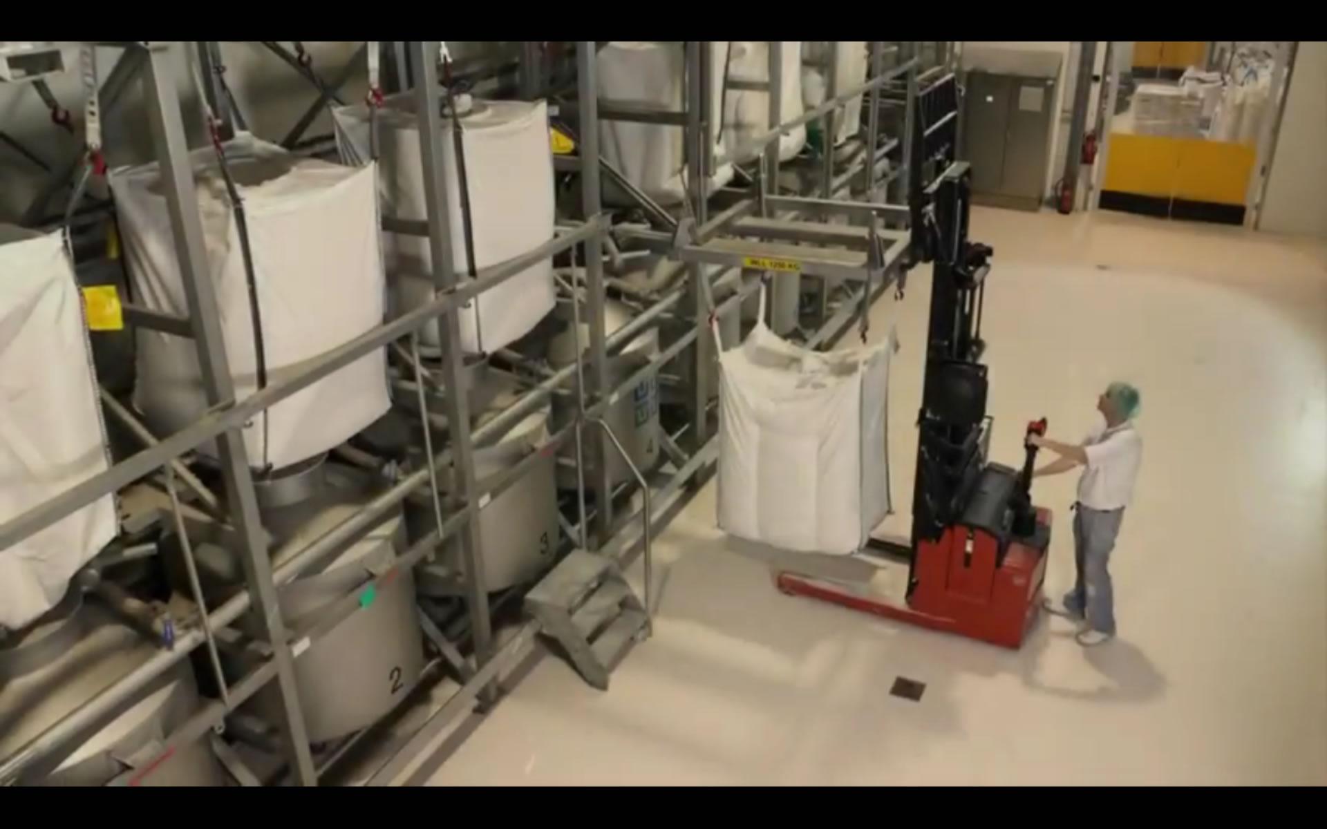 2011-0102 BigBag Afvulsysteem grondstoffen Smithuis 01