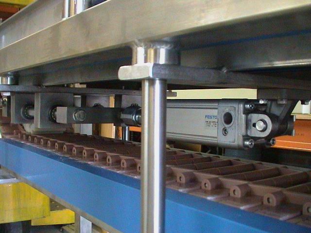 2001-0501 Transportbaan tray's simplex ketting 22